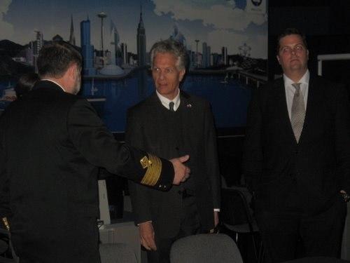 Фото к Мурманский инфоцентр по атомной энергии посетил консул США в Санкт-Петербурге