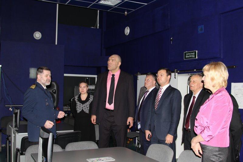 Фото к Мурманский информационный центр атомной отрасли с высоты роста Николая Валуева