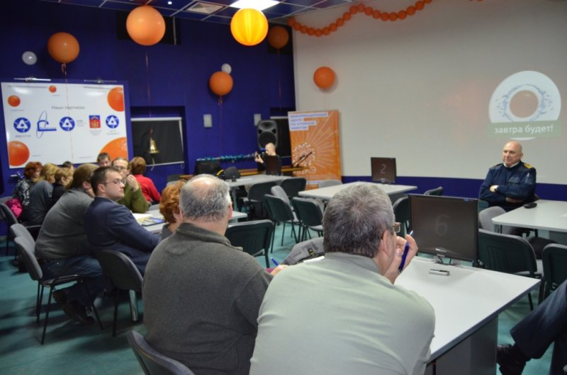 Фото к Делегация журналистов из Чехии, Венгрии и Словакии посетили Информационный центр по атомной энергии Мурманска.