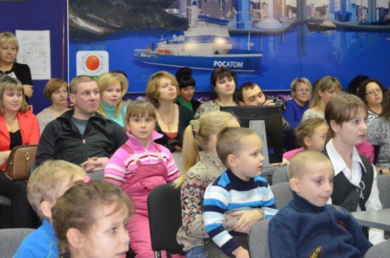 Фото к Научная Елка в Информационном центре по атомной энергии города Мурманска.
